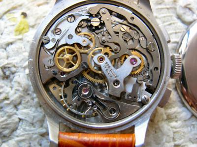 Configuration bizarre Venus 175 Breitling Chronomat 211mgjd