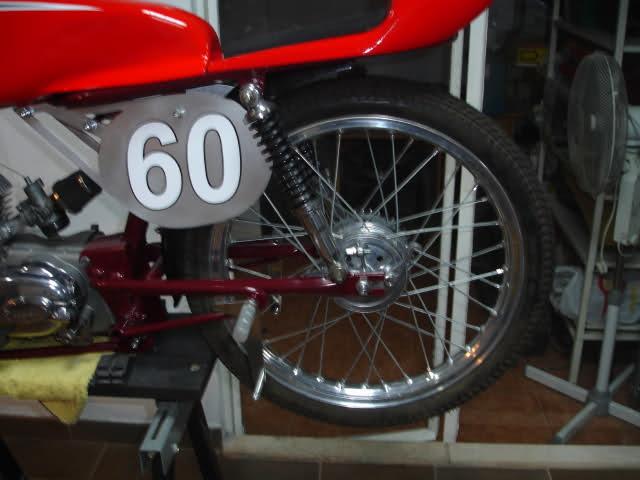 Réplica Ducati 50 de circuito - Página 4 259lg1w