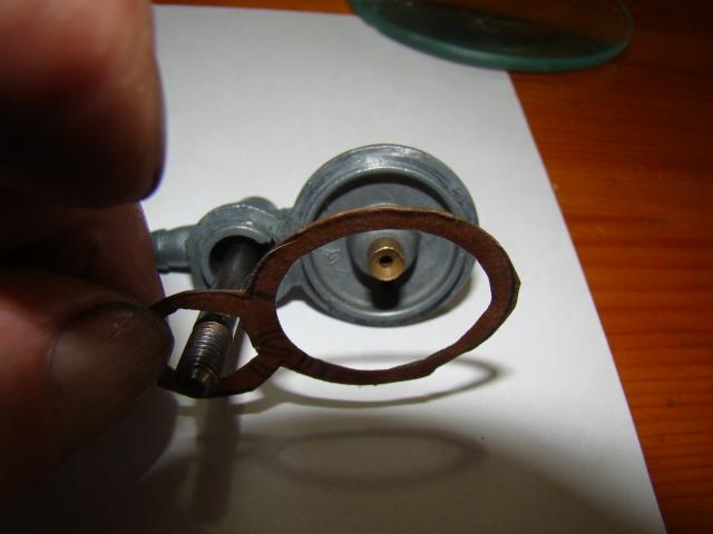 Sustitución boya en carburador 12-12 (Regalo de pepehrcc) 29d7exf