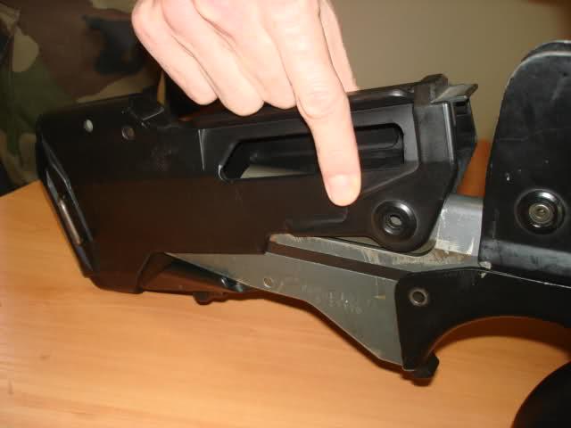Démontage et remontage FAMAS modele F1 2h7ic80