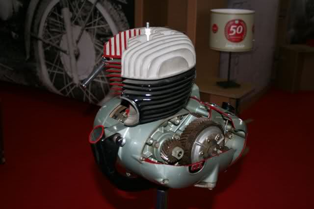 Classic Auto Madrid - 2012 - Página 3 2uh679j