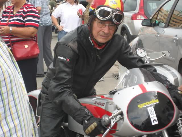 Fotos y biografía de César Gracia 2zf99jc