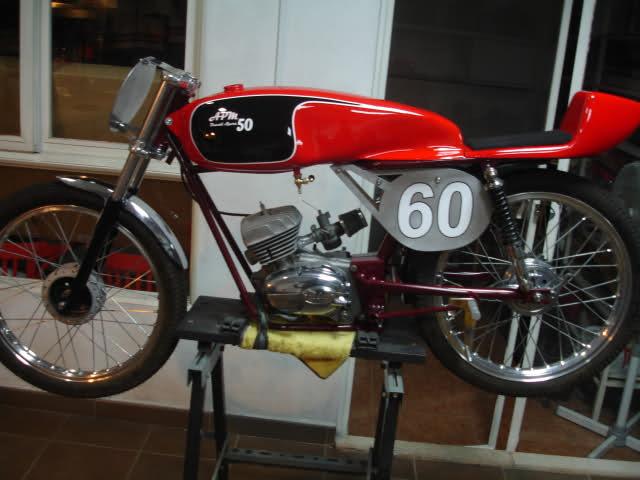 Réplica Ducati 50 de circuito - Página 4 35dchts