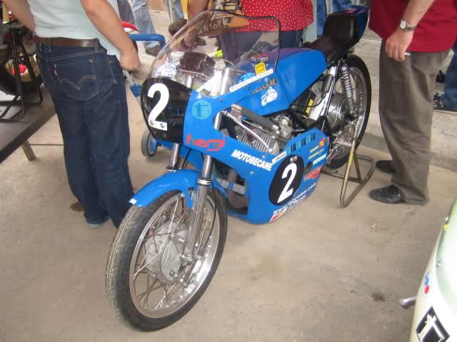 Concentracion 1 motos clasicas en Valencia 4lfwix