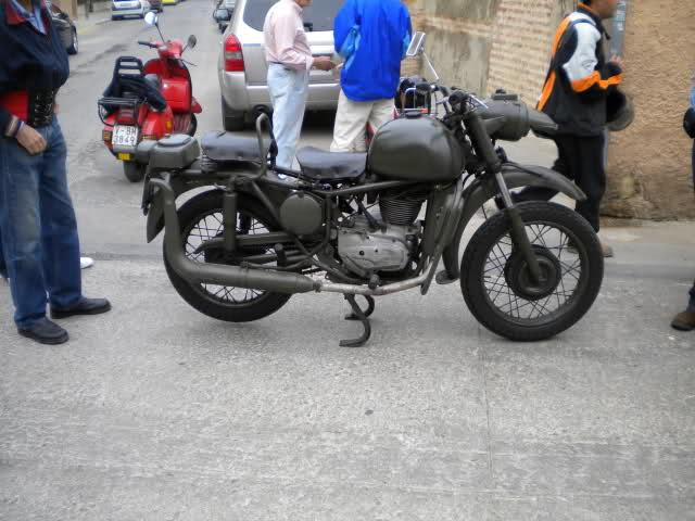 Concentracion 1 motos clasicas en Valencia 5d4imc