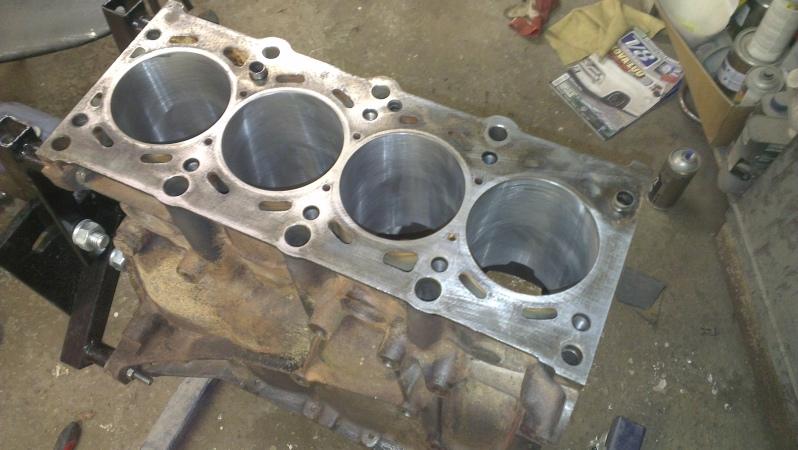 Bmw E30 318is & 1502 turboshit Ab32pf