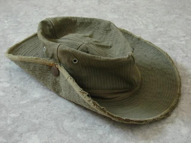 Le chapeau de broussse français J7cbp4