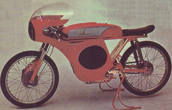 Ayuda identificar ciclomotor ¿Ducati? Jsir1v