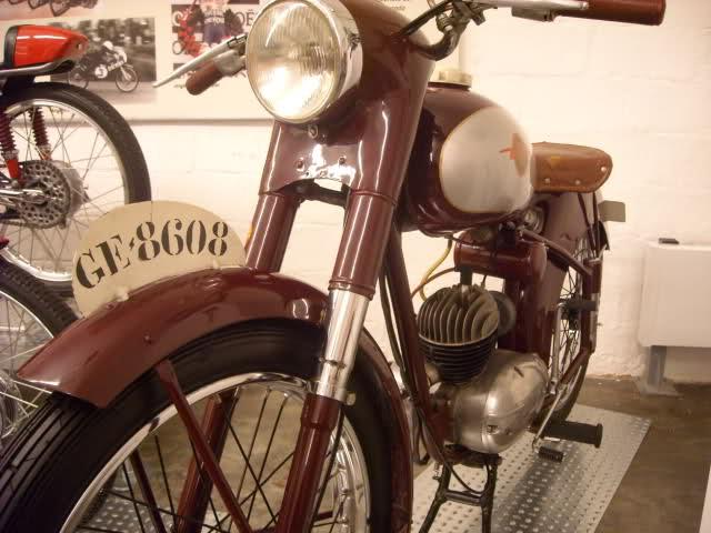 Visita al Museo de la Moto Barcelona - Página 2 Mjwy1
