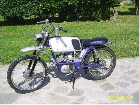 Ayuda identificar ciclomotor ¿Ducati? 28ai7es