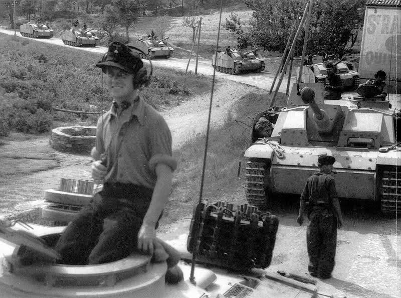"60 Panzer-Grenadier-Division ""Feldherrnhalle"" - Page 2 28kokeq"
