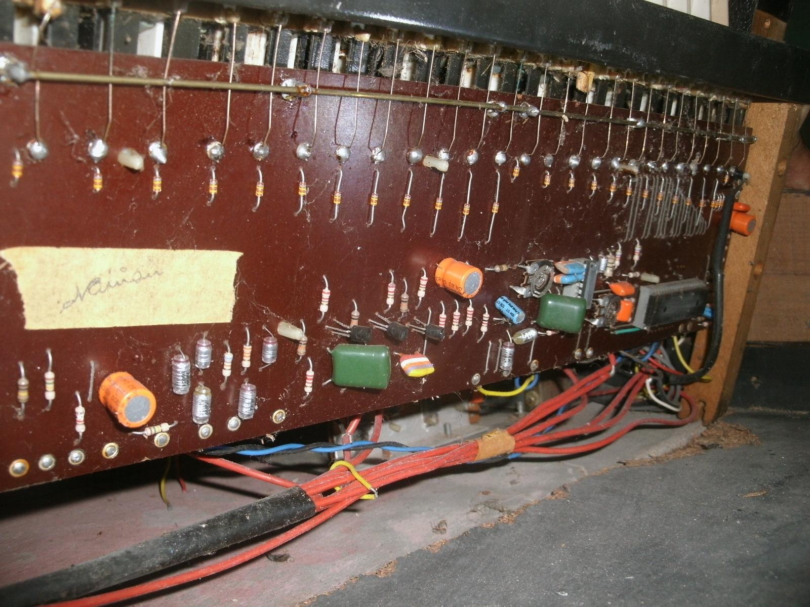 órgao eletronico com M208B1 2afdfs8