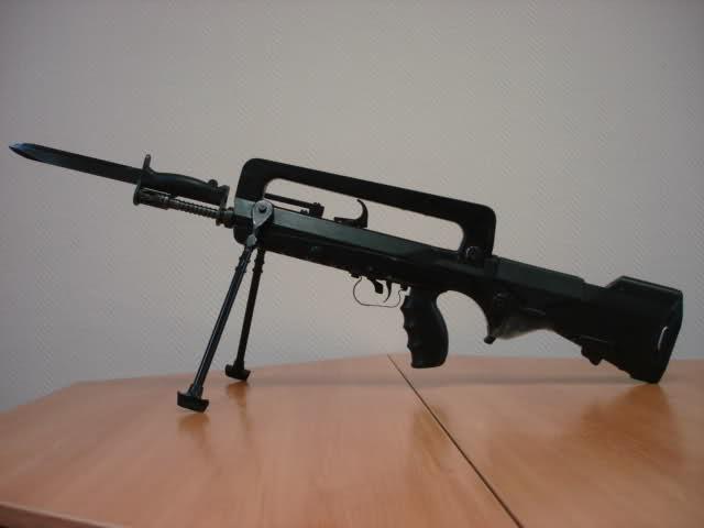 Le FAMAS modele F1 2djct38