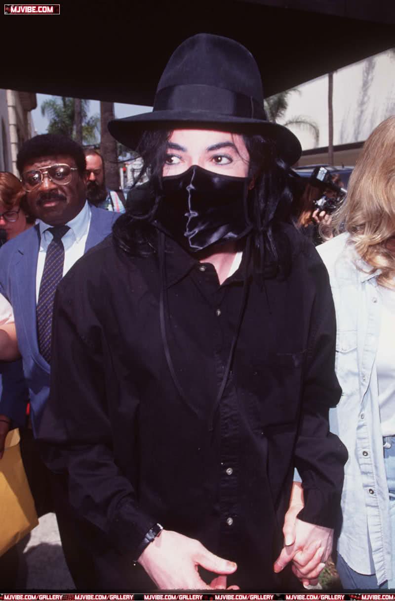 Foto di Michael Jackson con la mascherina - Pagina 5 2mcub0j