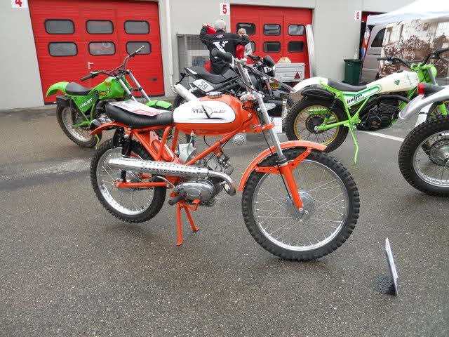 Ayuda identificar ciclomotor ¿Ducati? 2qk5ohz