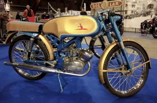 Ayuda identificar ciclomotor ¿Ducati? 2w4hhzq
