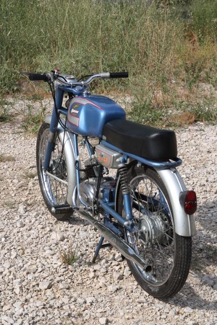 ¿Piloto trasero Ducati 48 TS? 2wg4nrp