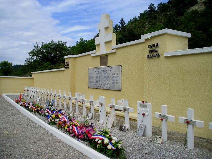 Massacre d'Izon-la-Bruisse Ceux du Maquis Ventoux 4takv5