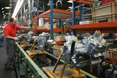 Interior de la fábrica Derbi - Página 3 53we95