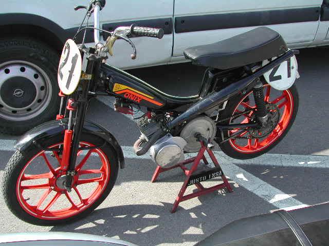 Exhibición de motos clásicas de competición en Beniopa (Valencia) Dfd751