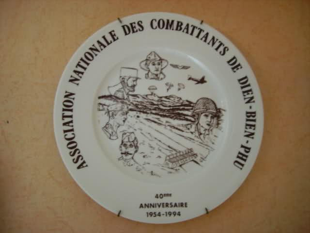 """55e anniversaire à l'arc de Triomphe le 7 mai 2009: """"la plus longue et la plus furieuse des batailles des soldats français en Extrême-Orient"""" Iyfmh5"""
