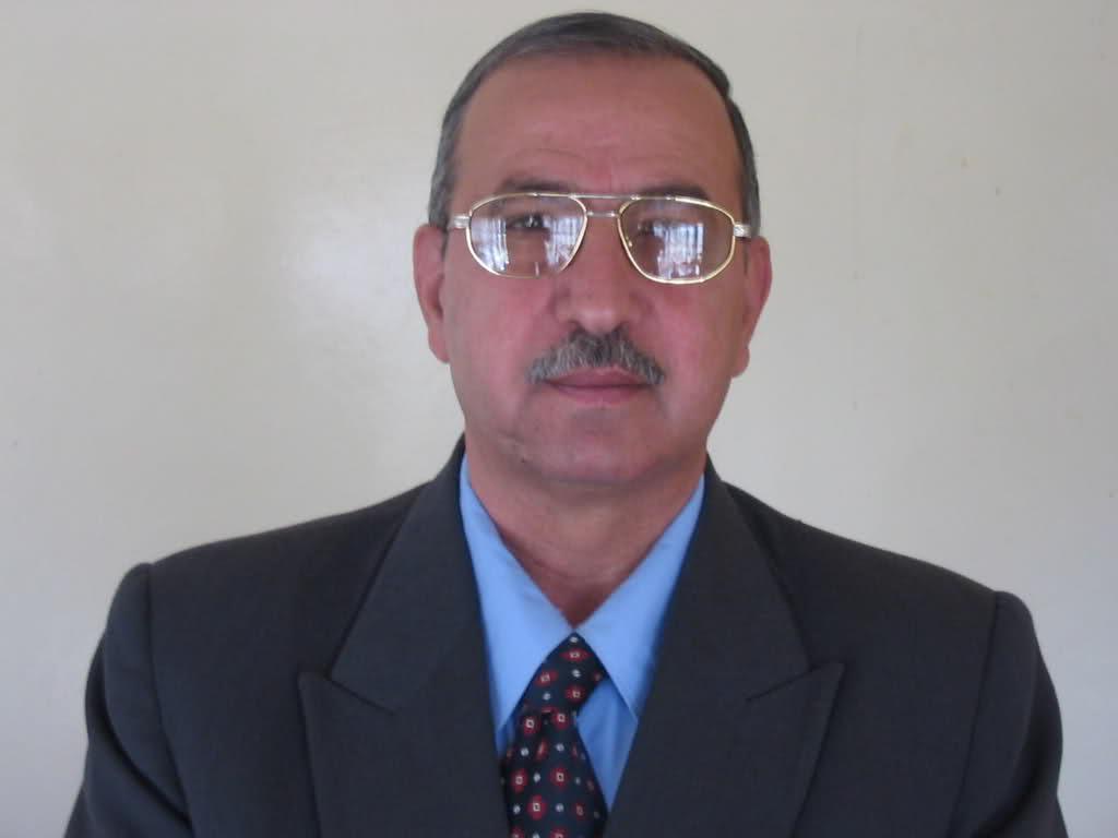 الاستاذ الدكتور ماجد العطار استاذ امراض الدواجن Mmvabn