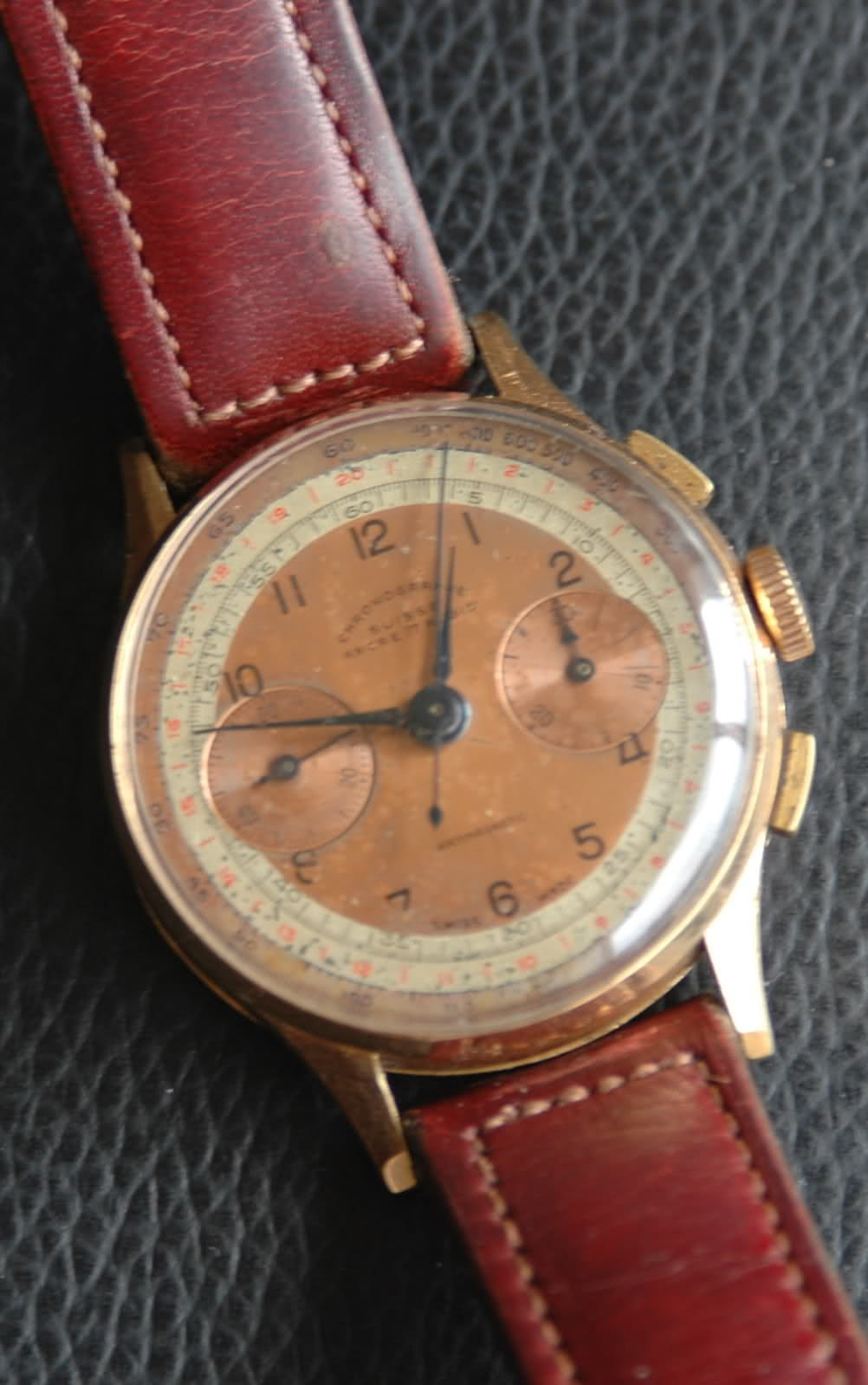 Une aide pour identifier cette montre chronographe... 166gpy