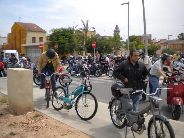Concentracion 1 motos clasicas en Valencia 214b244