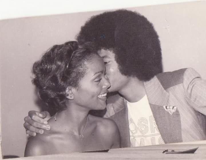 janelle commissiong, miss universe 1977. - Página 2 2evsvmh