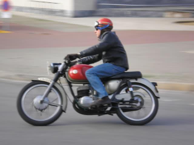 Fotos Bultaco Tralla 101 de 1959 conservada 2n20ec6