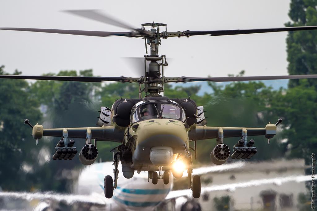Hélicoptères de combats - Page 7 2poo7m0