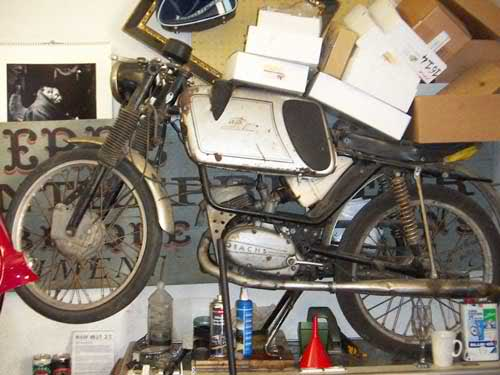 Ayuda identificar ciclomotor ¿Ducati? 2w4gnsh