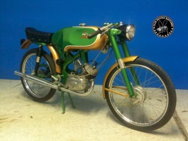 Ayuda identificar ciclomotor ¿Ducati? 53kdbn