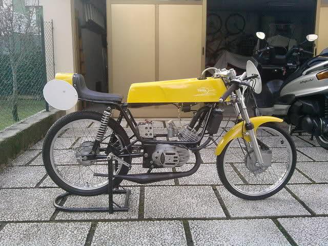Ayuda identificar ciclomotor ¿Ducati? 6xx24h