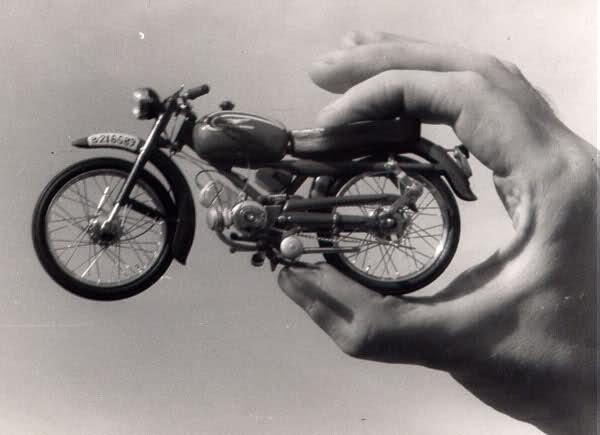 Colección Ducatis a Escala - Página 2 6ycm1e