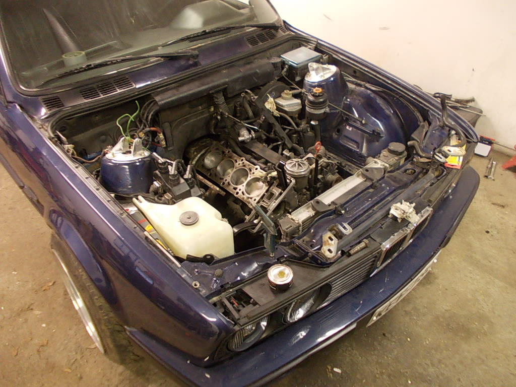 Bmw E30 318is & 1502 turboshit 9v8w9f