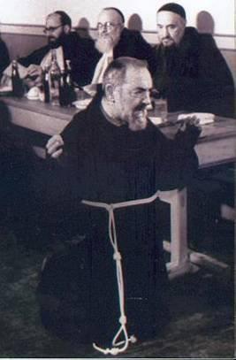St. Padre Pio's Invites You To Be His Spiritual Child - Page 2 Dey9gj
