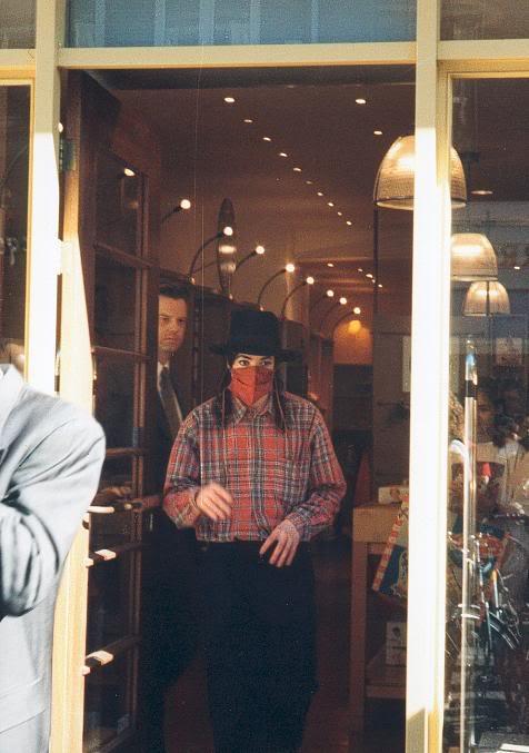Foto di Michael Jackson con la mascherina - Pagina 5 T5pzdi