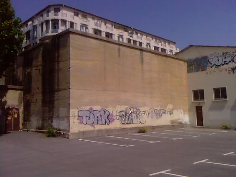 Blockhaus dans le Port de Toulon (83) - Page 3 Vrat0i