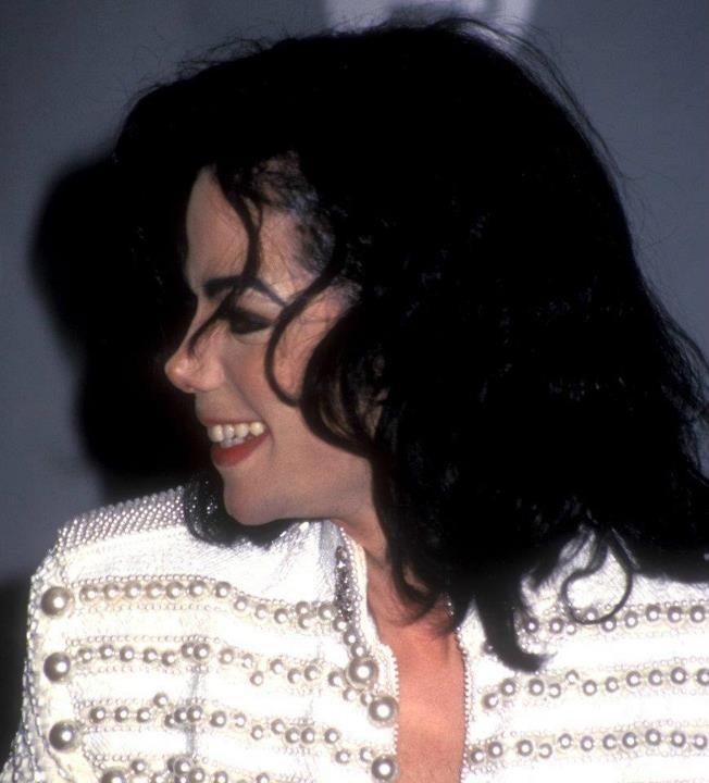 Il sorriso di Michael - Pagina 31 10zaas9