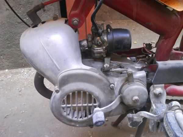 ¿Como quitarle los pedales a Ducati 48 TS? 1zd6n1s