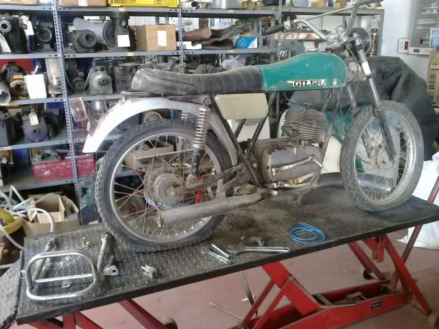 Presentación y retauración Gilera 50 cc deposito verde. 2quhvk6