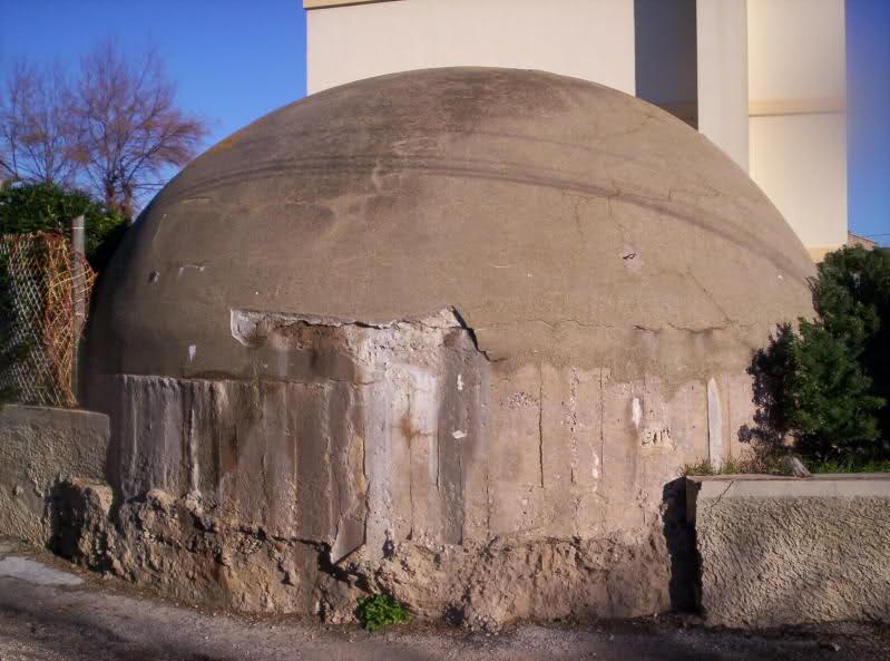 Six Fours Les Plages : fortifications italiennes 1943 (83) 2qx2cs6