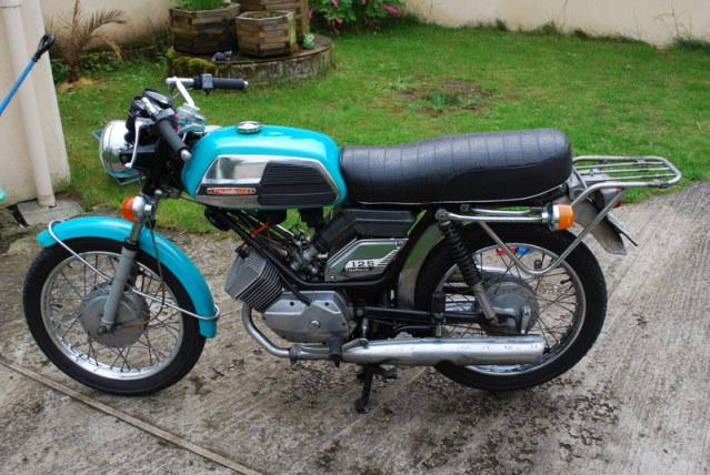 Mobylette-Motobecane 125 de competicion de los 70 2s0ig43