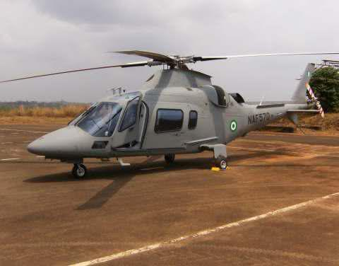Armée Nigériane / Nigerian Armed Forces 2wnu34o