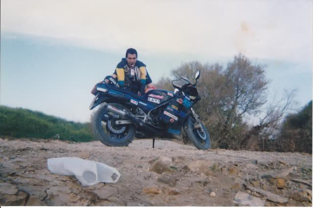 Yamaha RD350: la viuda negra 333v3t3