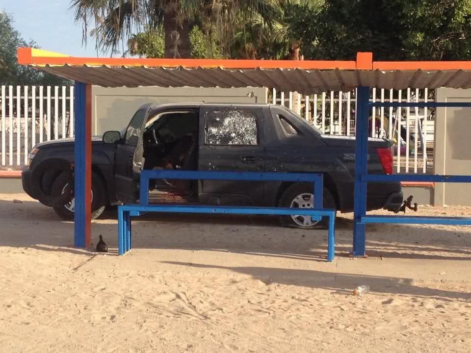 Balacera en Puerto Peñasco 5 sicarios abatidos y 1 elemento del PEI caido 19/Jul/2012 A319c6