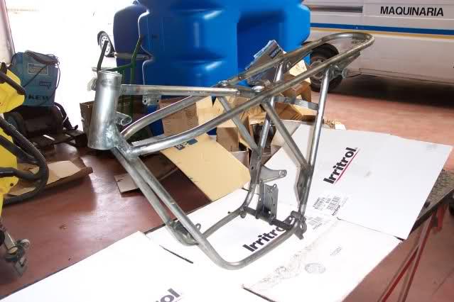 Presentación y retauración Gilera 50 cc deposito verde. Ruo38p