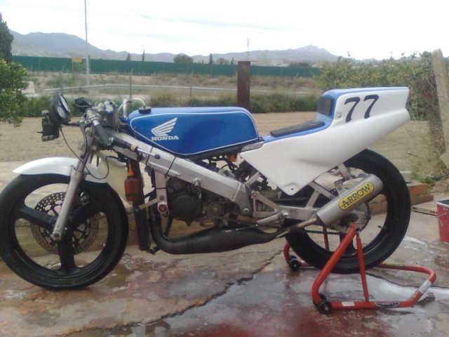 Una ayudita Honda 125 RS V4v43s