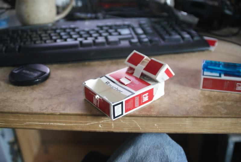 [INFO] Faire son support à partir d'un paquet de cigarettes. Zx4owk